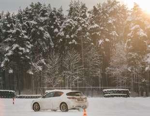 Laika apstākļu dēļ pārtrauktas bezmaksas drošas ziemas braukšanas konsultācijas